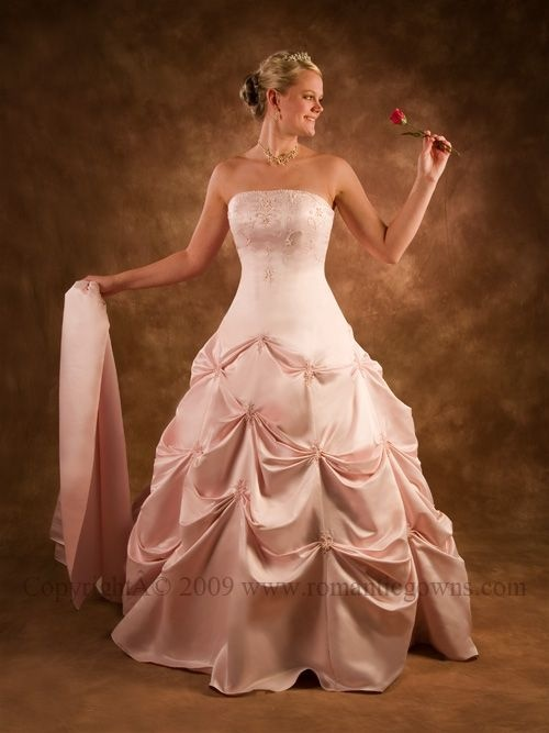Pink #wedding_gown - ultimately feminine!