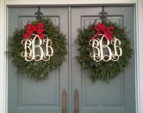 paired monogram wreaths #christmas