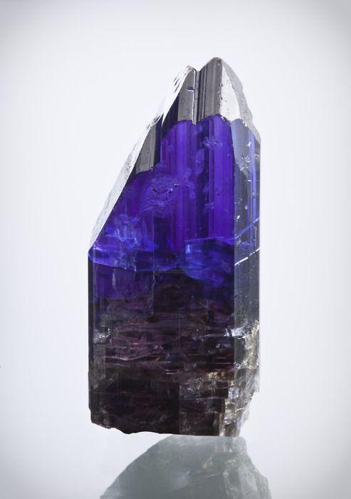 mineralia:    Tanzanite from Tanzania