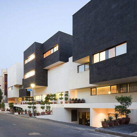 Black & White House by AGi Architects. Kuwait.