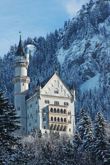 Neuschwanstein Castle in the winter Germany