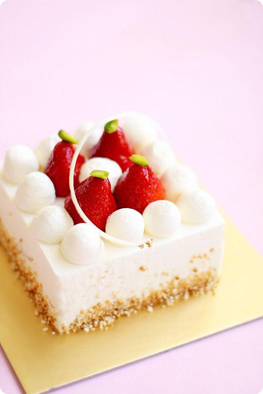 An especially elegant, artistic take on a true summer classic: Strawberry Shortcake. #dessert #food #strawberry #shortcake #cake #elegant #wedding