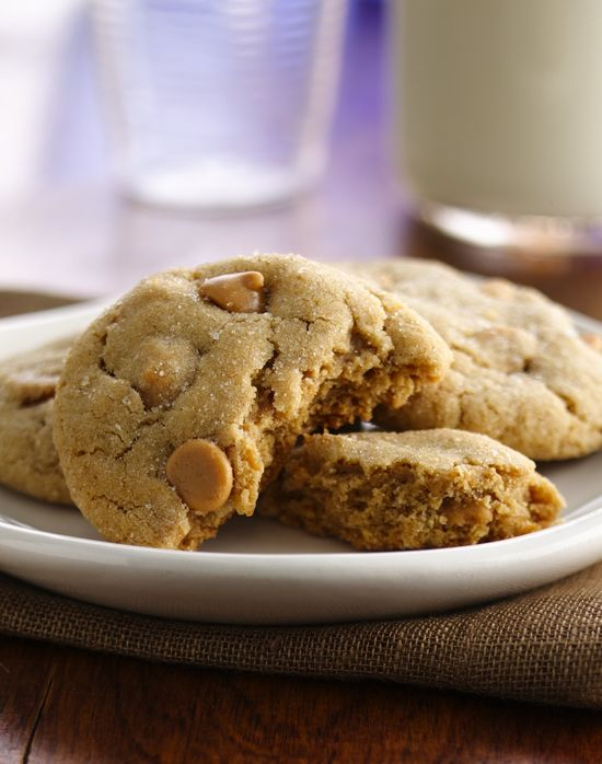 From vintage classics to brand-new creations, Betty's kitchen-tested and approved recipes are favorites that stand the test of time. Cookies  Board