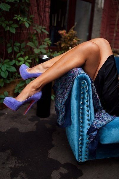 Gorgeous colour... I want the legs too! Lol