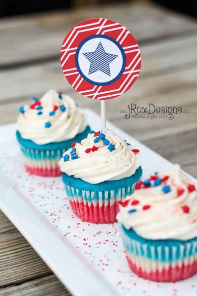 Delicious 4th of July Cupcakes + Free Printable! #4thofjuly