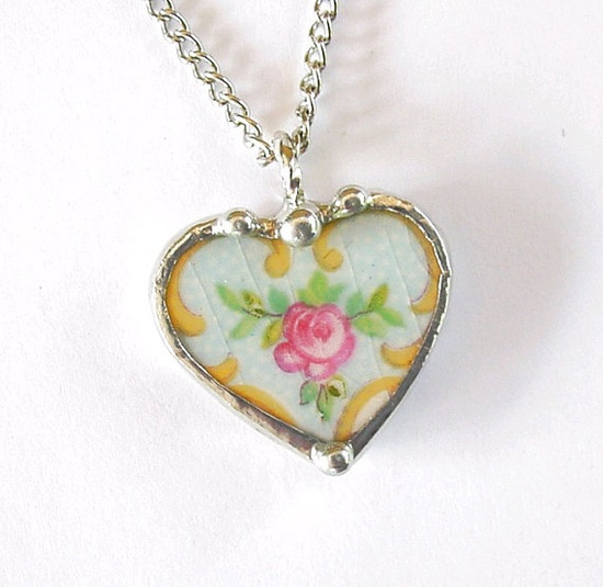 Broken china jewelry petite heart pendant necklace antique pink rose on light blue