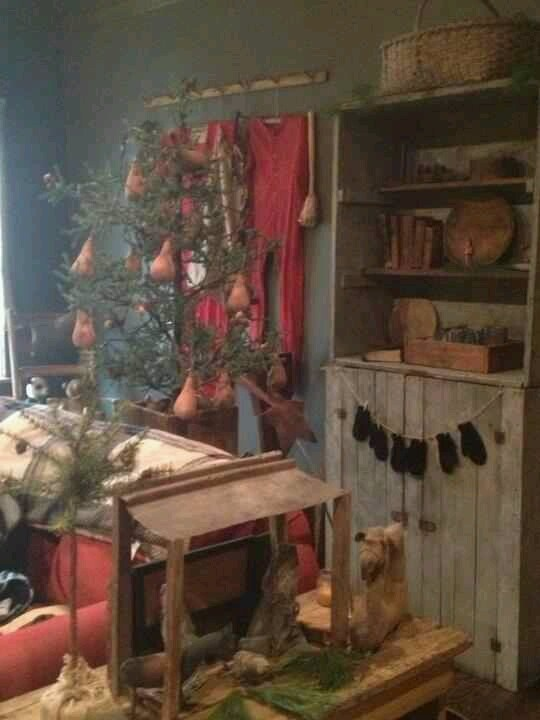 Love everything in this primitive Christmas picture!
