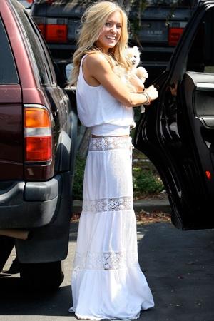 #white maxi  Maxi Dresses #2dayslook #MaxiDresses #anoukblokker #kelly751  www.2dayslook.com