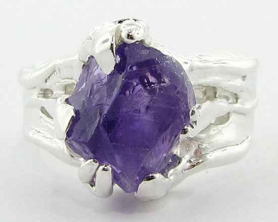 How sick is this?? I would not spend this much $$ on a ring, but it looks like it's worth it. Hot.