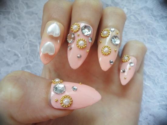 Sweet, Simple Kawaii Deco Gyaru/Lolita Nails. 11.00, via Etsy.