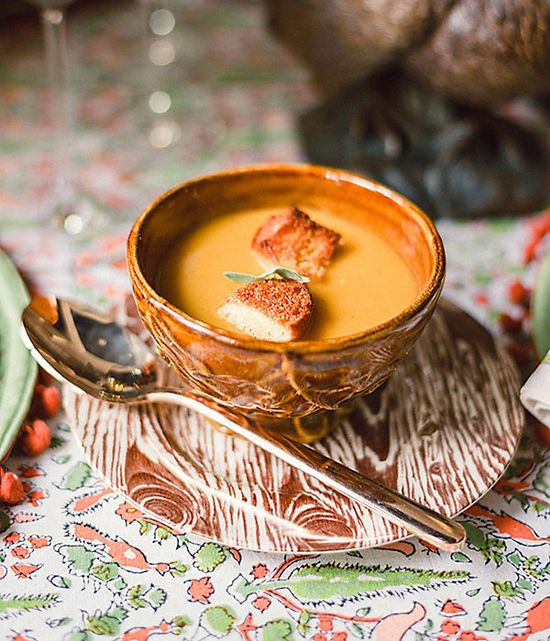 Up your Thanksgiving game with this gorgeous Butternut and Apple Soup recipe as a super savory start to the meal. #newwaytoholiday