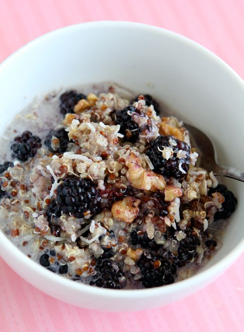 Breakfast quinoa with cinnamon and berries