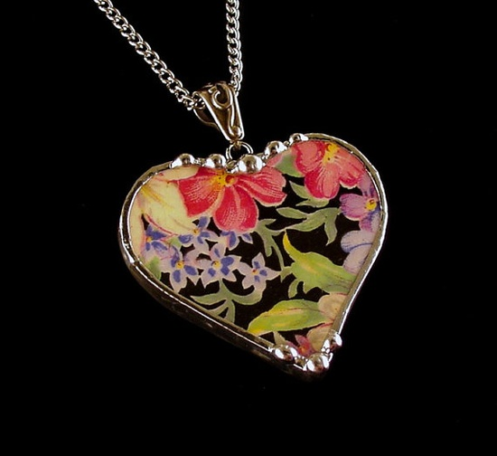 Broken china jewelry heart pendant by Dishfunctional Designs. Made from a broken plate. royal winton chintz
