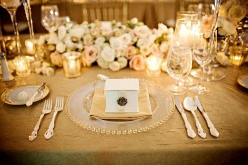gold and cream table setting #wedding #gold