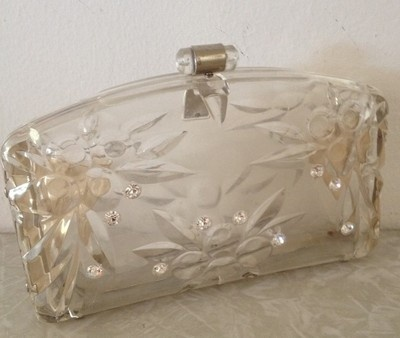 A chic, eye-catching little clear Lucite clutch bag. #vintage #handbags #purses #accessories