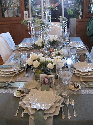gorgeous neutral tablesetting...