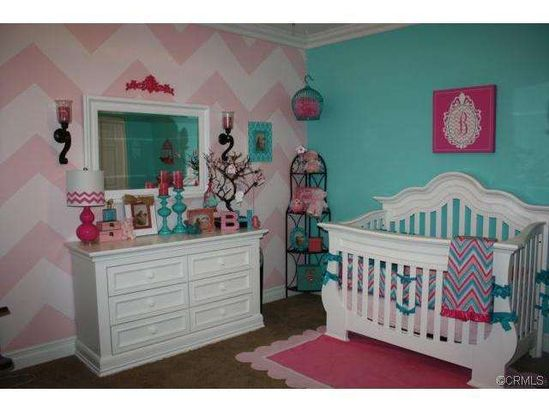 darling idea for baby girl's room
