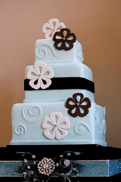 Wedding Ideas: light blue, white and black flower cake