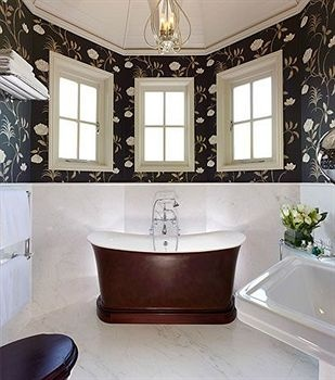 mahogany tub at the Nina Campbell suite at The Goring - an English Hideaway - until Kate Middleton stayed there for the wedding, of course