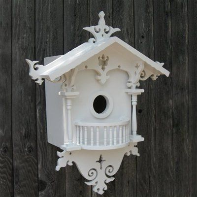 What a pretty birdhouse!