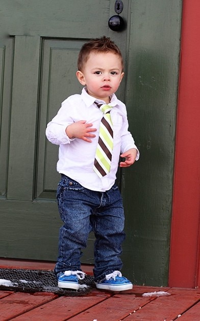 I want a baby to dress up! This is the style my baby boy would have but the hair I have something different in mind. ?