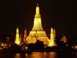 Temple of the Golden Buddha - Wat Traimit - Travel Tips Thailand