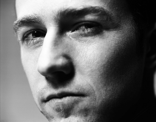 Edward Norton: amazing actor and hot in a nerdy kinda way. :)