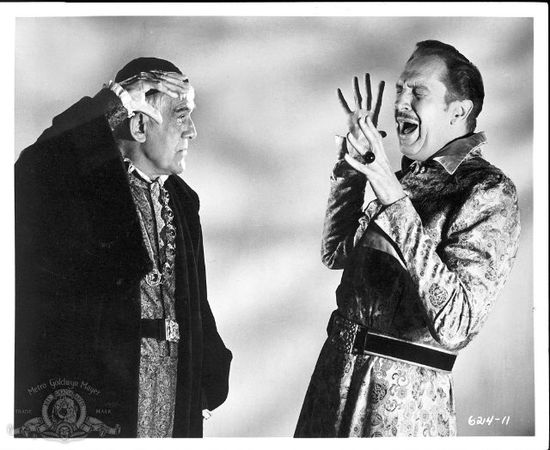 "Still of Boris Karloff and Vincent Price in ""The Raven"""