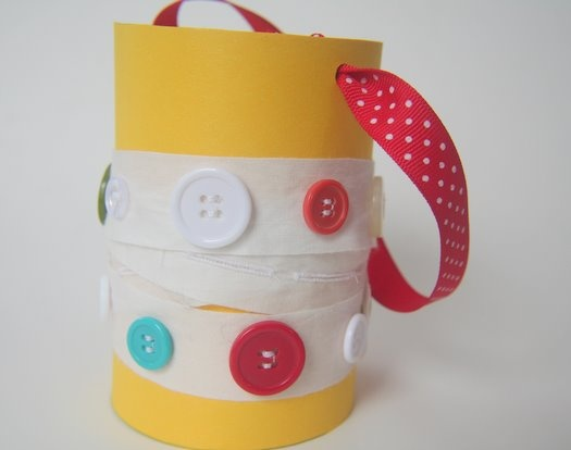 Easter baskets from oatmeal containers..