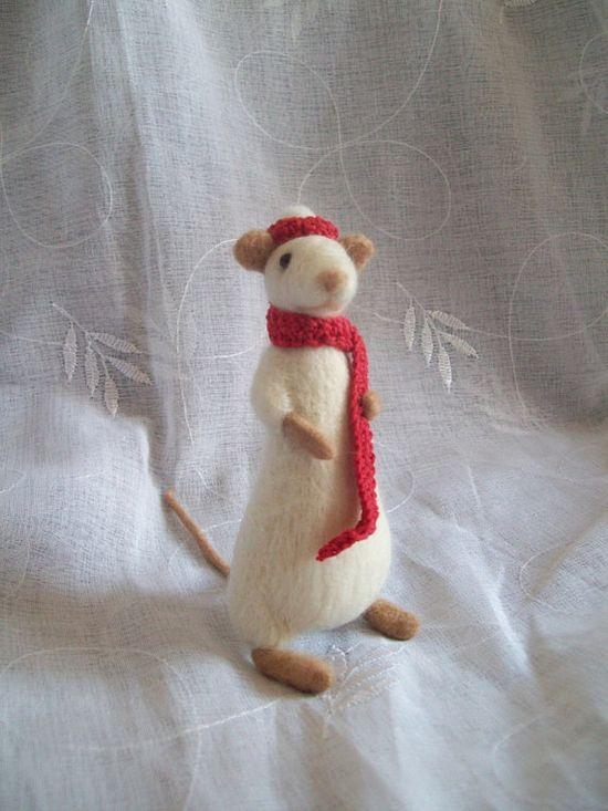 Christmas mouse  handmadebynovember