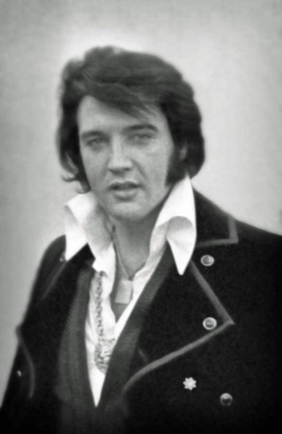 File:Elvis Presley 1970.jpg