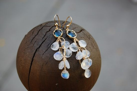 Love this artist's jewelry ~ these earrings are so beautiful.