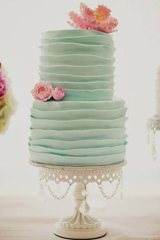 Mint wedding cake. so pretty!