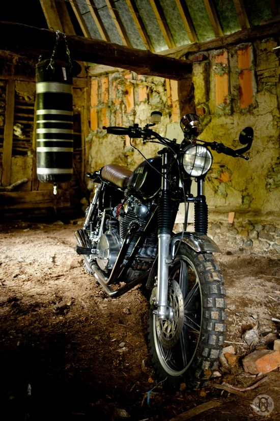 The KOMX XS 650 Scrambler-neo-retro-with-a-bit-of-anything