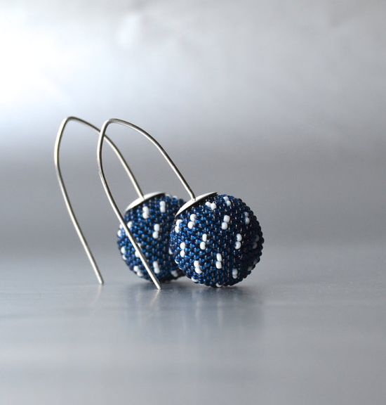 Stunning earrings made out of tiny glass beads, perfect for a nautical-inspired look.