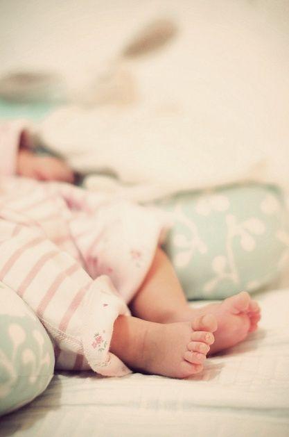 love newborn feet!