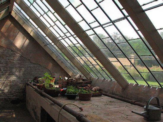Antique greenhouse at Huis Voorstonden