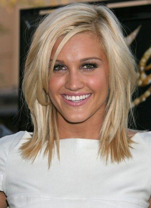 Cute Medium Length Hairstyle: Medium Straight Hair Style