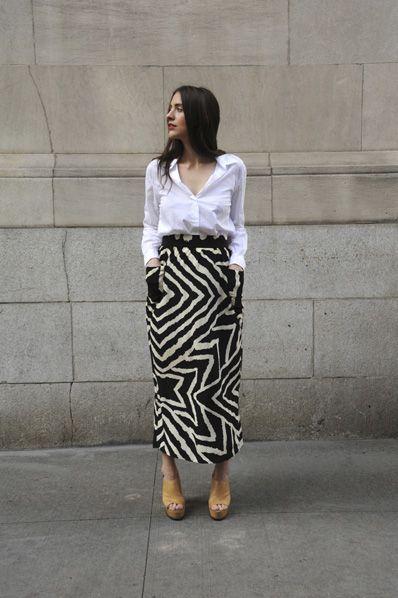 love the skirt + white shirt