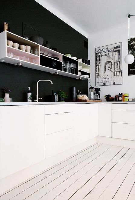 OPEN SHELVES IN BLACK AND WHITE KITCHEN