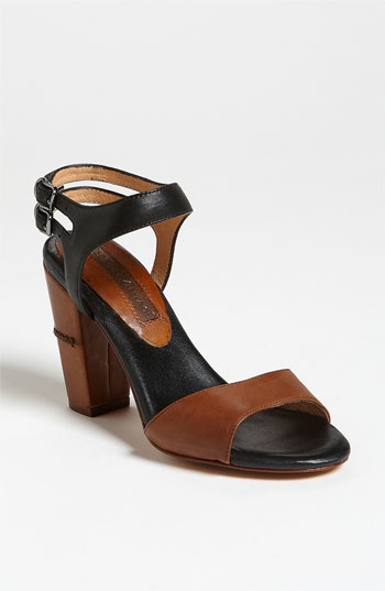 Modern Vintage 'Roxy' Sandal