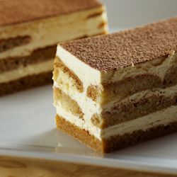 My favorite - tiramisu! This version comes in at only 107 calories a serving. Awesome. :)