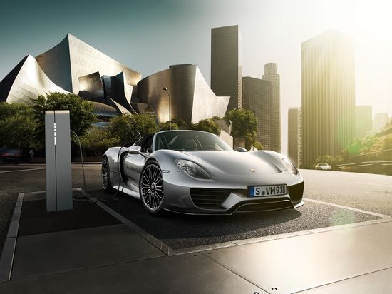 #Porsche #918Spyder: A super sports car in the form of a plug-in hybrid. Learn more: link.porsche.com/918 Combined fuel consumption in accordance with EU 5: 3.3-3.0 l/100 km, CO2 emissions 79-70 g/km. Electricity consumption 12.5-13.0 kWh/100 km.