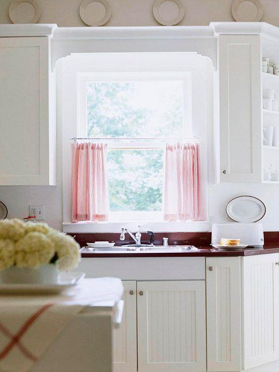 Cottage Charm...  Love this cottage kitchen!