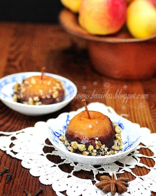Wonderfully flavourful Chai Rum Poached Apples. #rum #apples #chai #tea #fruit #fall #food #autumn #dessert