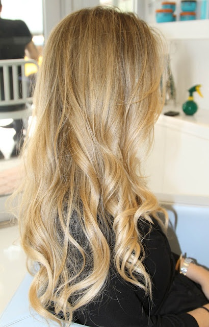 blond ombre @Lauren Davison Fletcher please grow out your hair and do the ombre to itttttt
