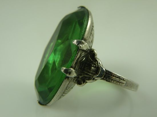 Vintage Cocktail Ring Art Deco Emerald Cocktail Lucite Stone Size 6 1920'