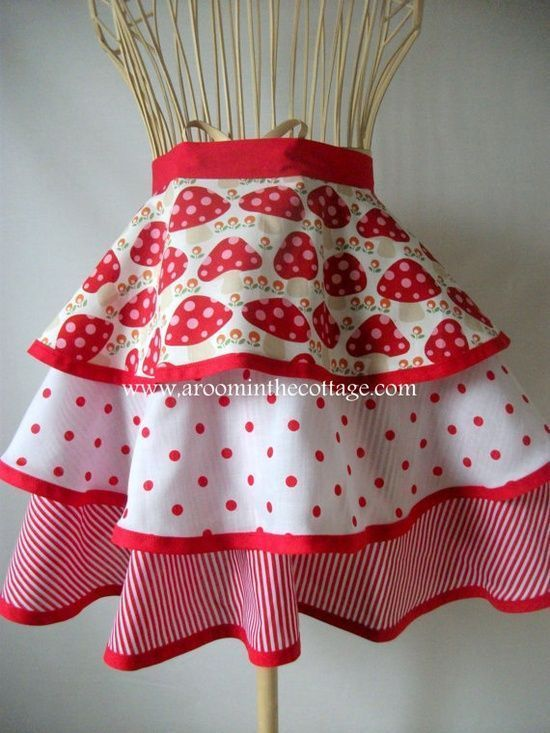 Bright and beautiful apron for preparing those homemade picnic lunches this