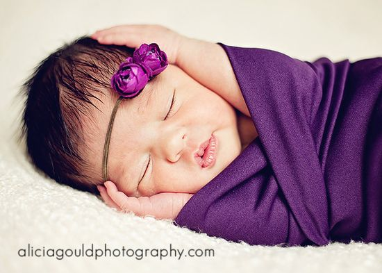 Excellent tips on newborn shoots with lots of pullbacks and great advice.