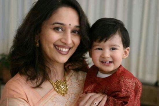 Madhuri nd cute kid ....